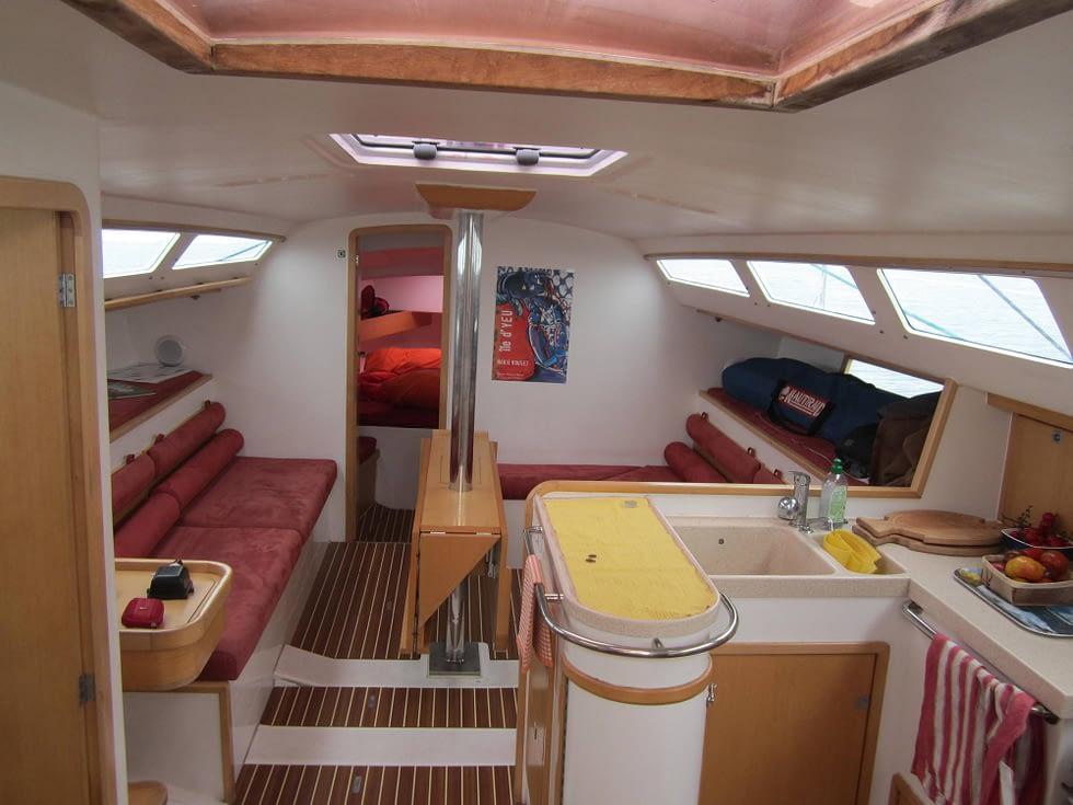 interieur cancale voilier location
